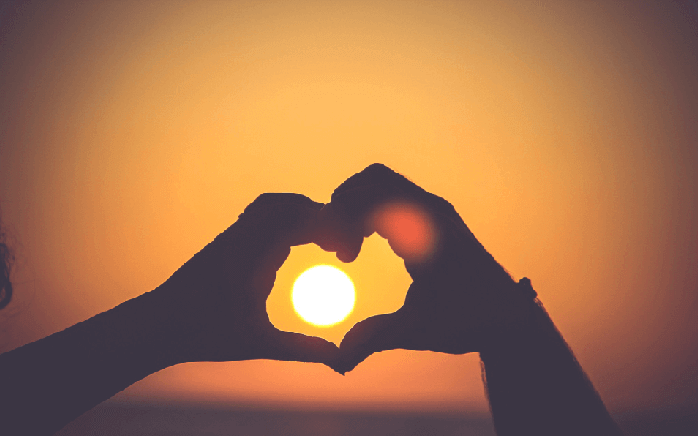 引き寄せの法則を恋愛に活用!片思いの人を振り向かせるための5ステップ